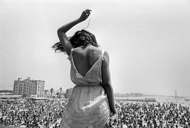 USA. California. 1968. Venice Beach Rock Festival. ©Dennis Stock/Magnum Photos